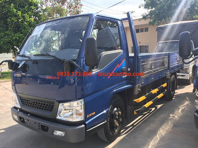 Hyundai IZ49 2 tấn 4 thùng lửng máy isuzu