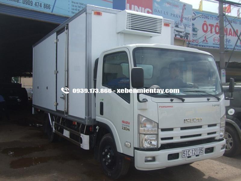 Xe tải thùng đông lạnh isuzu 3 tấn 9 tấn NLR55E