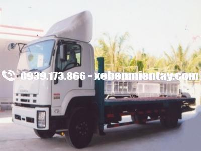 Xe chuyên dùng chở máy công trình 9 tấn isuzu FVR34S